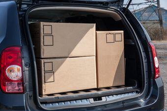 В Англии начались продажи коммерческой версии Dacia Duster