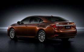 Седан Lexus ES пережил обновление