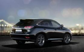 В марте рост продаж легковых автомобилей в России показали только Porsche и Lexus