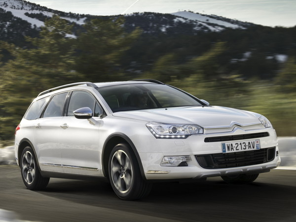Скидки на французские автомобили: до 450 000 рублей