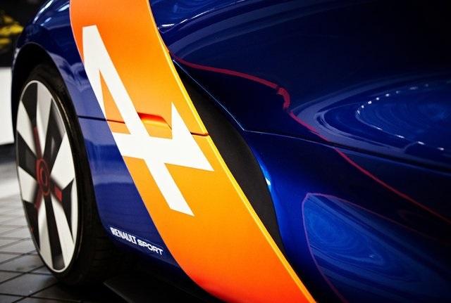 Спорткар из Renault Megane: показана предсерийная версия