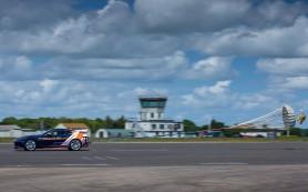 Jaguar F-Type испытал парашют для сверхзвукового автомобиля