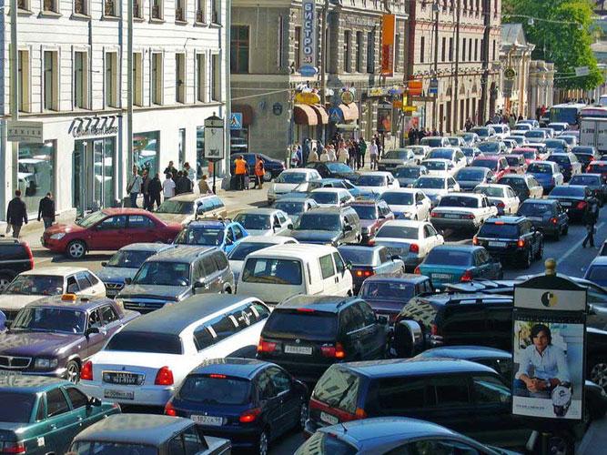 Накануне пробка в центре Петербурга побила рекорд недели