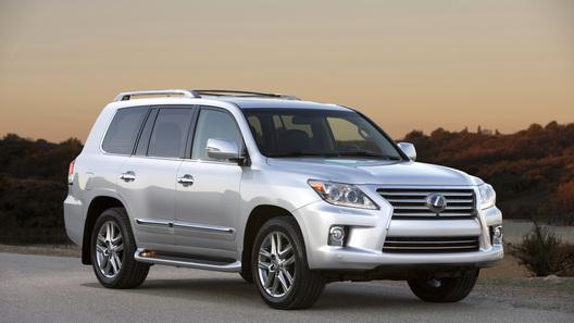 Lexus стимулирует продажи внедорожников масштабными скидками