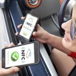 Депутаты хотят штрафовать пешеходов за разговор по мобильнику