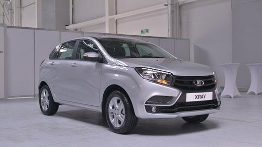 Продажи Lada Xray начнутся через несколько месяцев