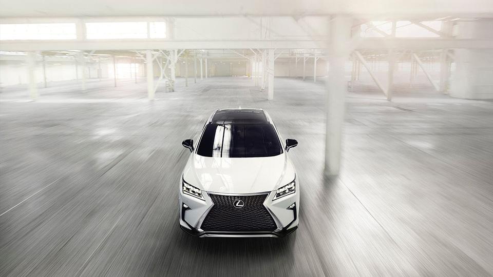 Стали известны рублевые цены на новый Lexus RX