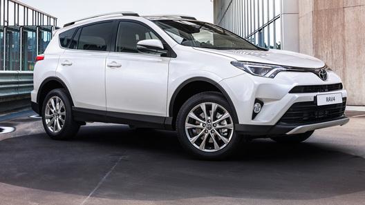 В России стартуют продажи нового Toyota RAV4
