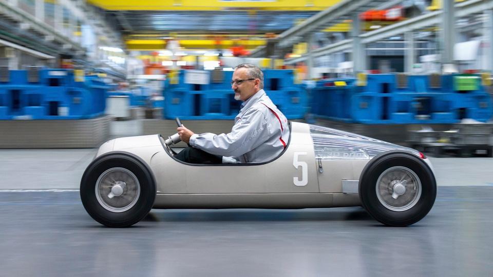 Компания Audi напечатала на 3D-принтере болид 1936 года