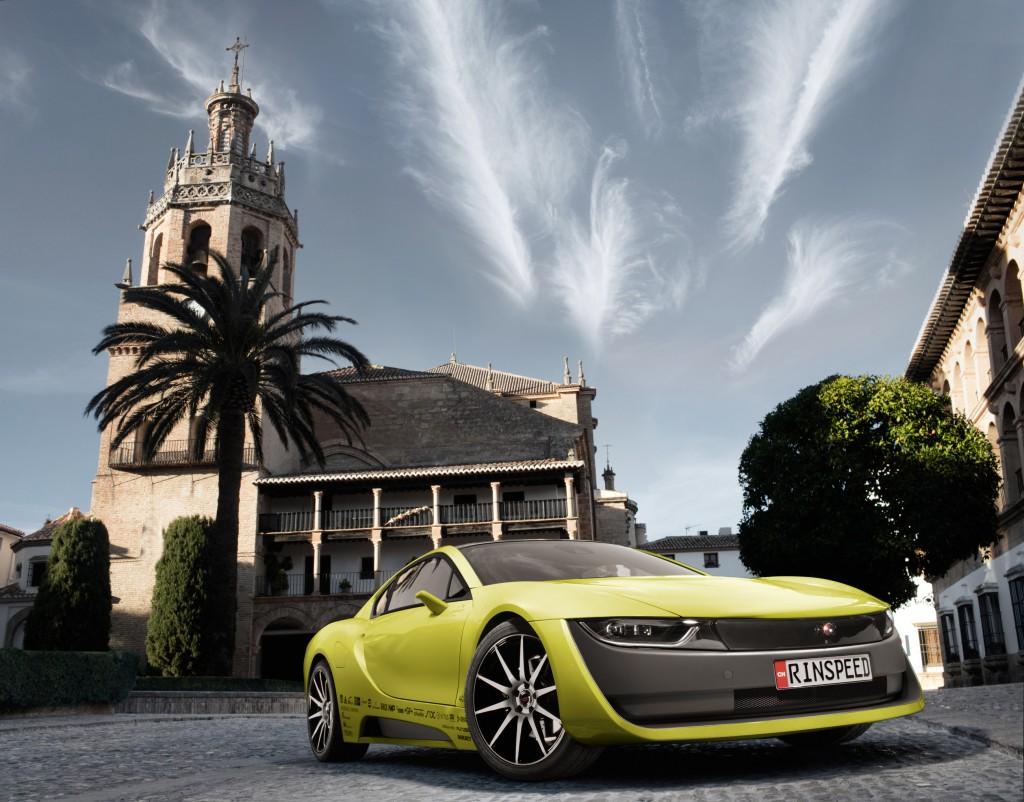Швейцарцы сделали беспилотную BMW i8 с убирающимся рулём