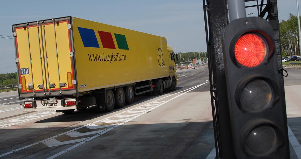 Законопроект об отмене транспортного налога внесли в Госдуму