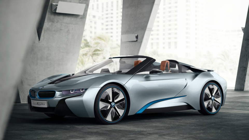 Глава BMW подтвердил запуск в серию открытого спортгибрида