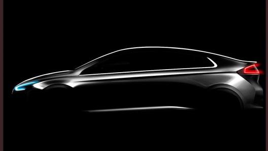 Hyundai дразнит двумя гибридами в одном