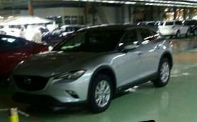 Фотошпионы поймали новый кроссовер Mazda CX-4 без камуфляжа