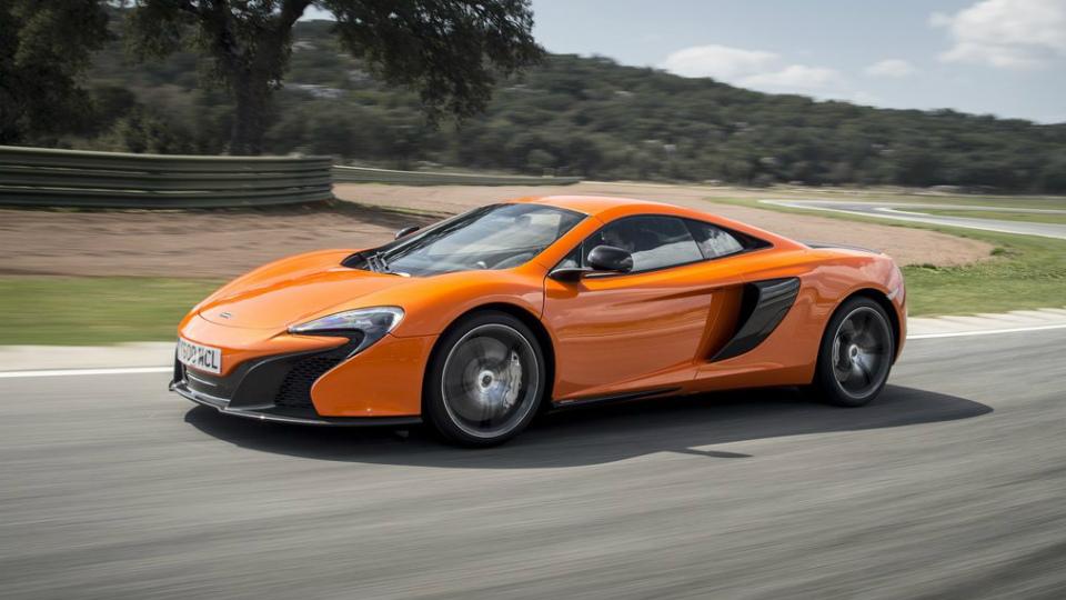Суперкар McLaren 650S станет гибридом