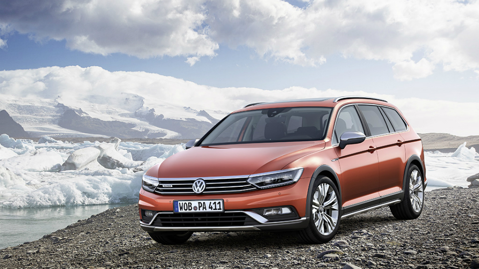 Volkswagen назвал рублевые цены на универсал Passat