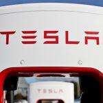 Компанию Tesla Motors покинули два ключевых сотрудника