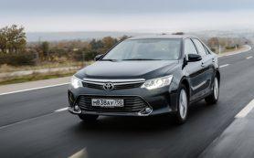 В России отзывают на ремонт более 2 тысяч седанов Toyota Camry