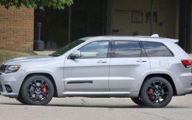 Рестайлинговый Jeep Grand Cherokee SRT попался без камуфляжа