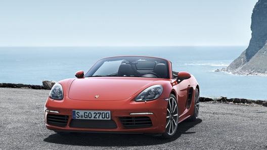 Porsche анонсирует самые дешевые версии 718 Cayman и Boxster
