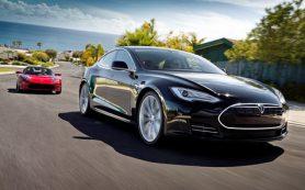 Tesla обновила прошивку для своих электромобилей