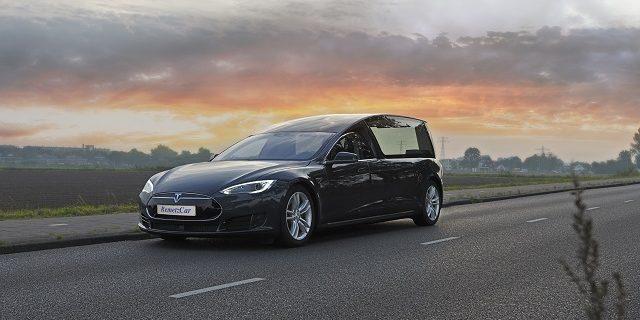 На базе Tesla Model S построили первый катафалк