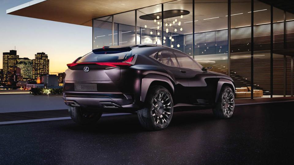 Lexus привезет в Париж предвестника маленького кроссовера