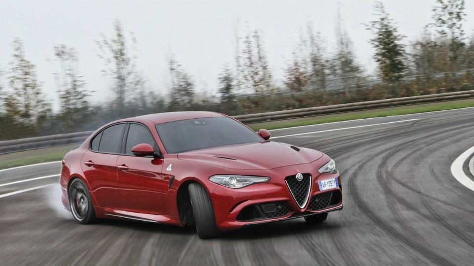 Alfa Romeo Giulia вернула титул быстрейшего седана Нюрбургринга