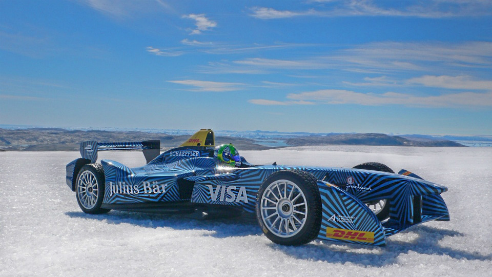 Электроболид Формулы Е проехал по гренландскому льду