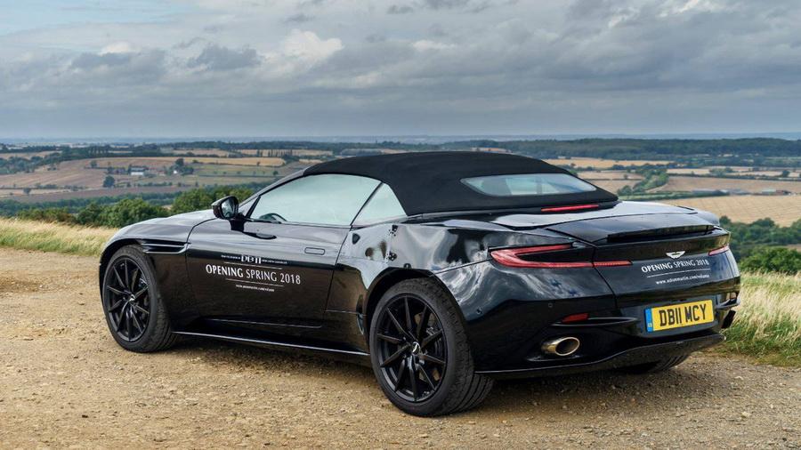 Aston Martin показал открытую модификацию своего суперкара