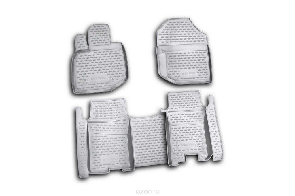 Особенности ковриков в салон и багажник