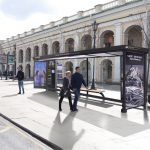 Остановка автобуса с подзарядкой для телефона откроется в Петербурге