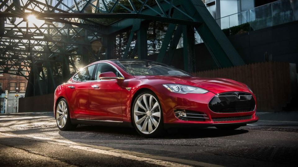 Tesla Model S стала дороже