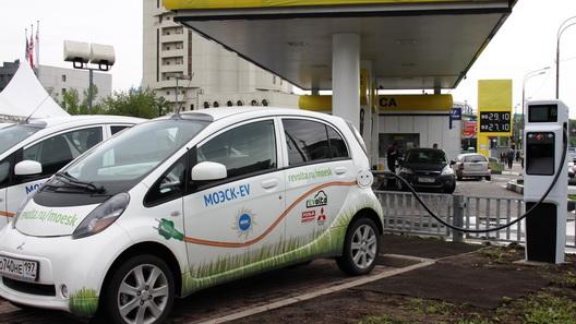 На всех российских АЗС появятся зарядки для электромобилей