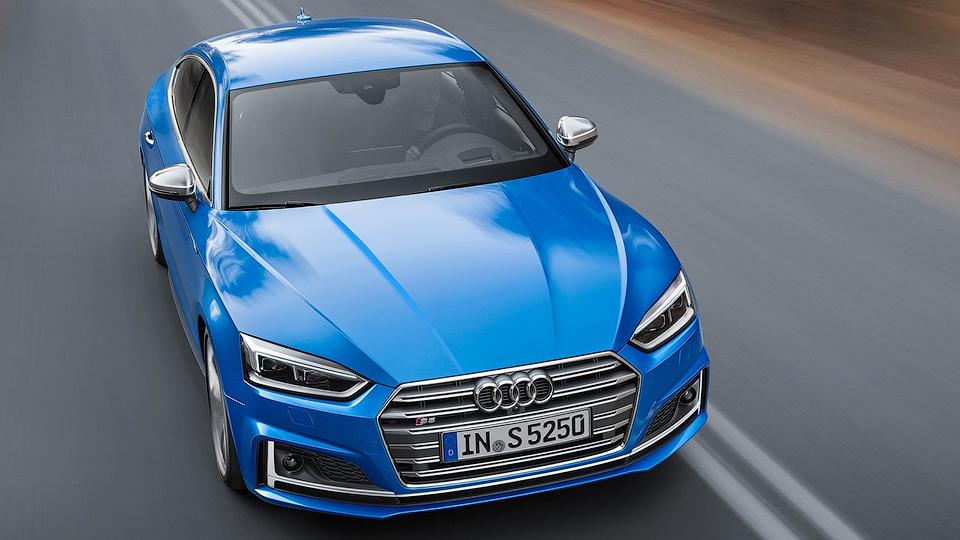 Компания Audi назвала рублевые цены на новые хэтчбеки A5
