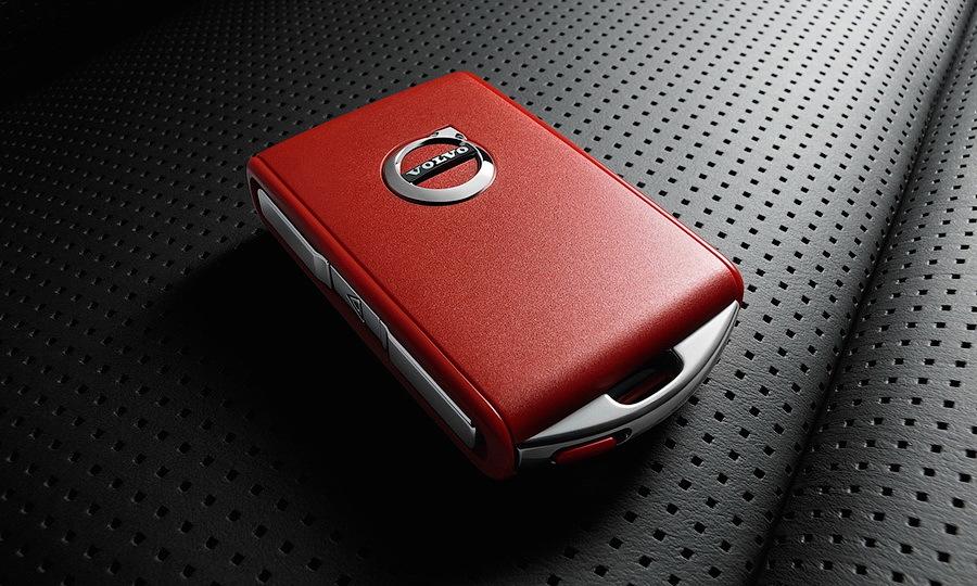 Обычный и красный: для Volvo можно заказать дополнительный ключ