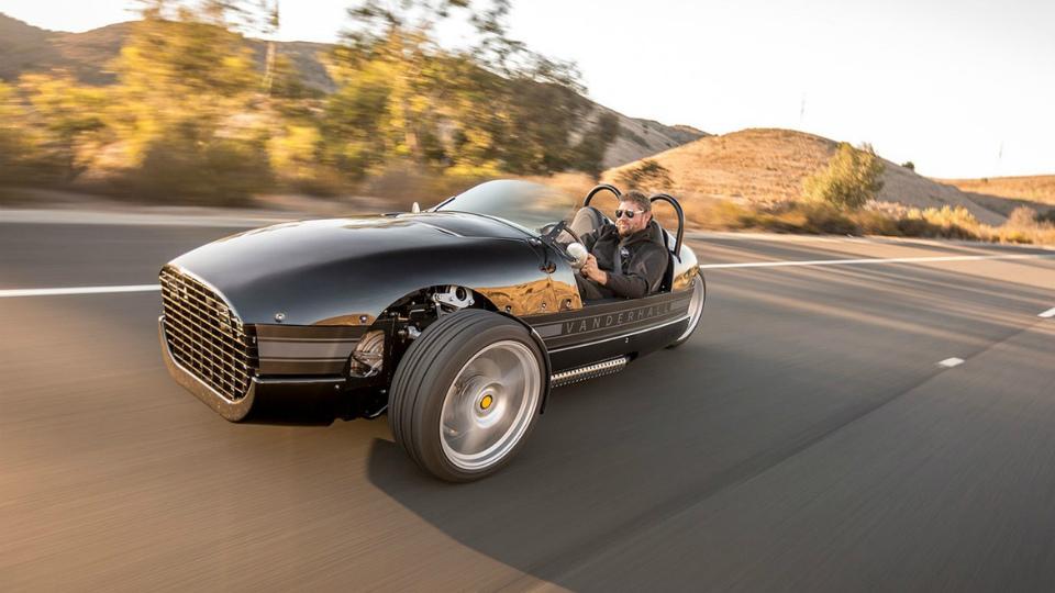 Американцы выпустили «дешевый» трехколесный спорткар
