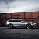 Вседорожному универсалу Volvo добавили мощности