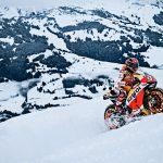 Трехкратный чемпион MotoGP проехал на мотоцикле по горнолыжному склону