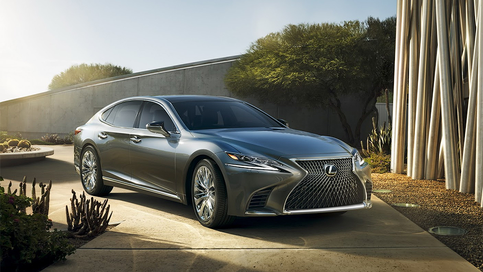 Новый флагман Lexus оснастили битурбо «шестеркой»
