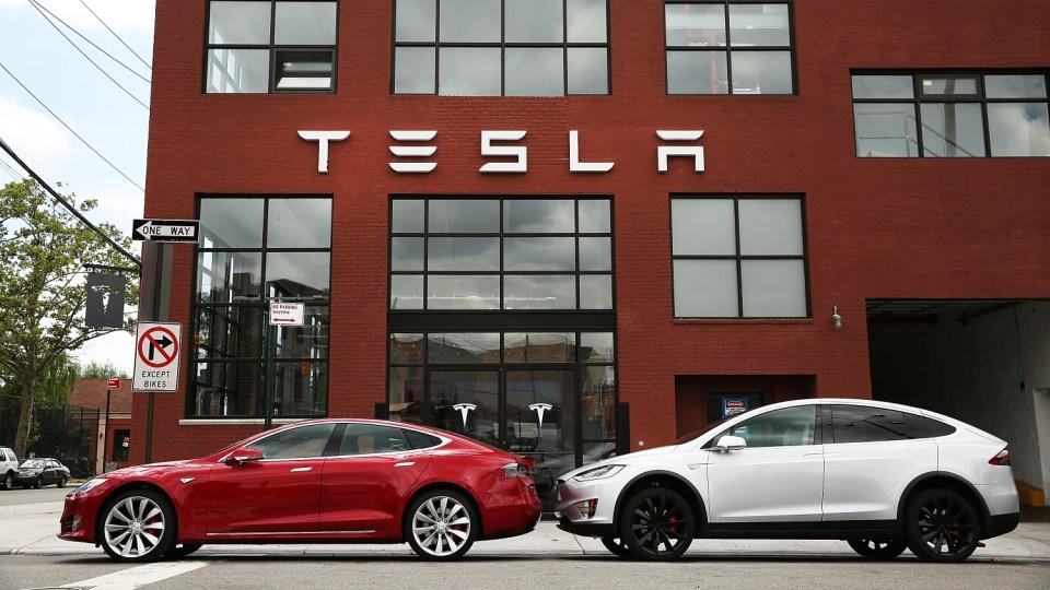 Электрокары Tesla смогут сами ездить в сервис