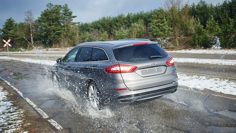 «Форды» научатся заранее предупреждать водителей о ямах