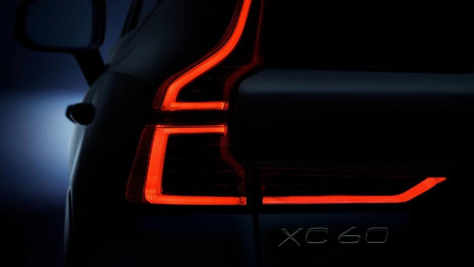 Volvo показала оптику нового XC60
