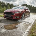 """Автомобили Ford научатся """"видеть"""" ямы на дорогах"""