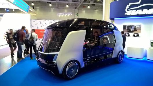 Медведев: Россия не готова к беспилотным автомобилям