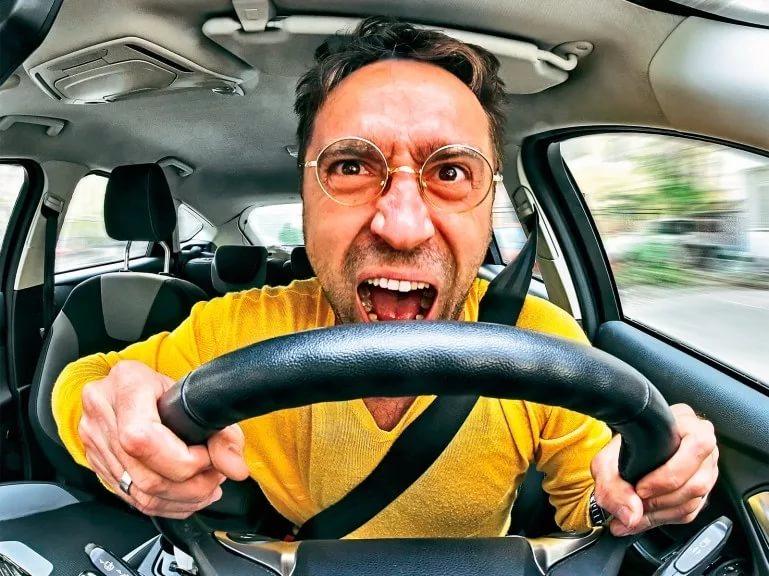 Для российских водителей придумали экзамен по этике