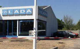 Во Франции нашли заброшенный автосалон Lada