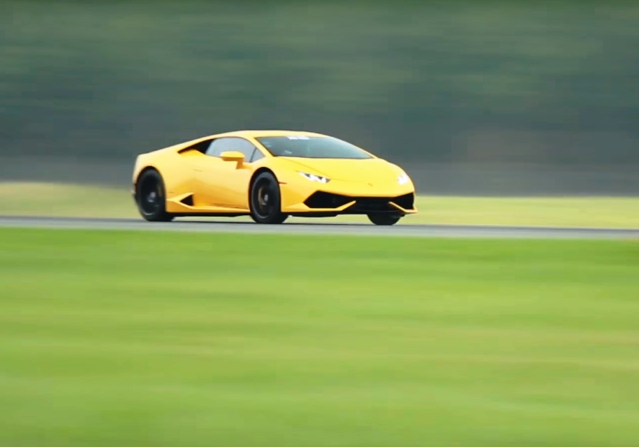 Lamborghini Huracan разгоняется до 400 км/ч за 800 метров
