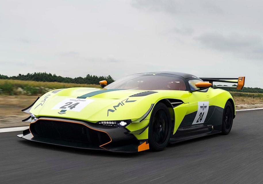 Aston Martin предложил сделать хардкорный суперкар Vulcan еще экстремальнее