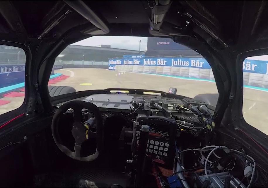 Так выглядит боевой круг гоночного беспилотника из кабины